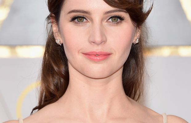 felicity-jones-make-oscar-2017