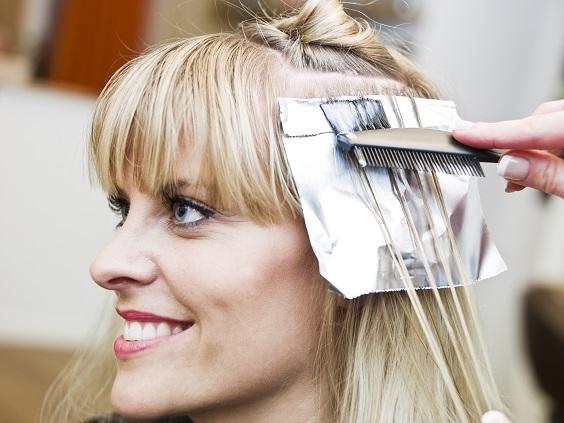como disfarçar cabelos brancos