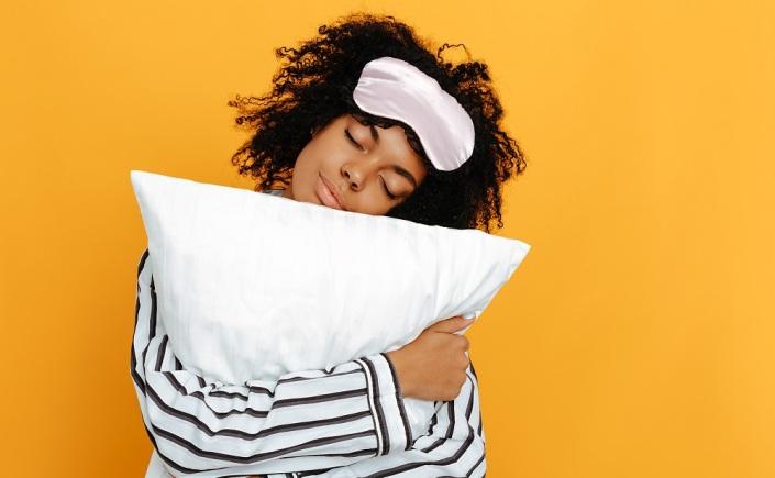 motivos para não dormir sem tirar a make