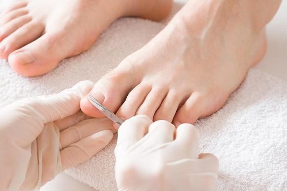 cuidados com os pés no inverno