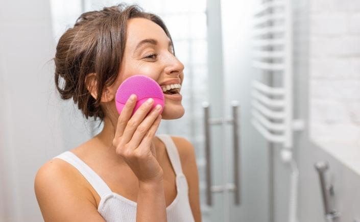 escova de limpeza facial para que serve